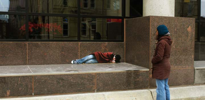 http://servemarketing.org/wp-content/files_flutter/1274303169homeless_bank_steps.jpg